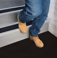 posadzka antypoślizgowa na schody rust-oleum 7100ns spray farba powłoka lakier aerozol